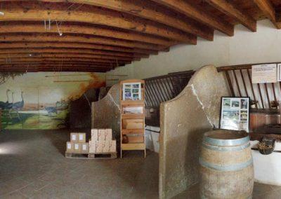 La boutique du Domaine de Maillac dans l'ancienne étable des vaches