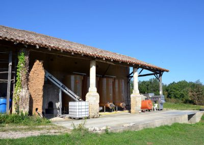 Domaine-Maillac-img-chai-vue