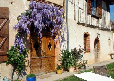 L'entrée de la ferme de Maillac